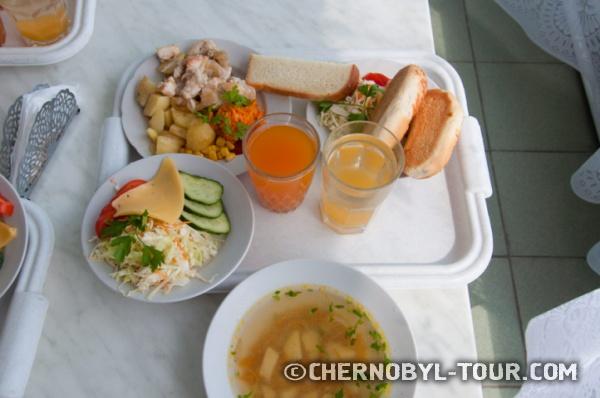 Обед в столовой ЧАЭС